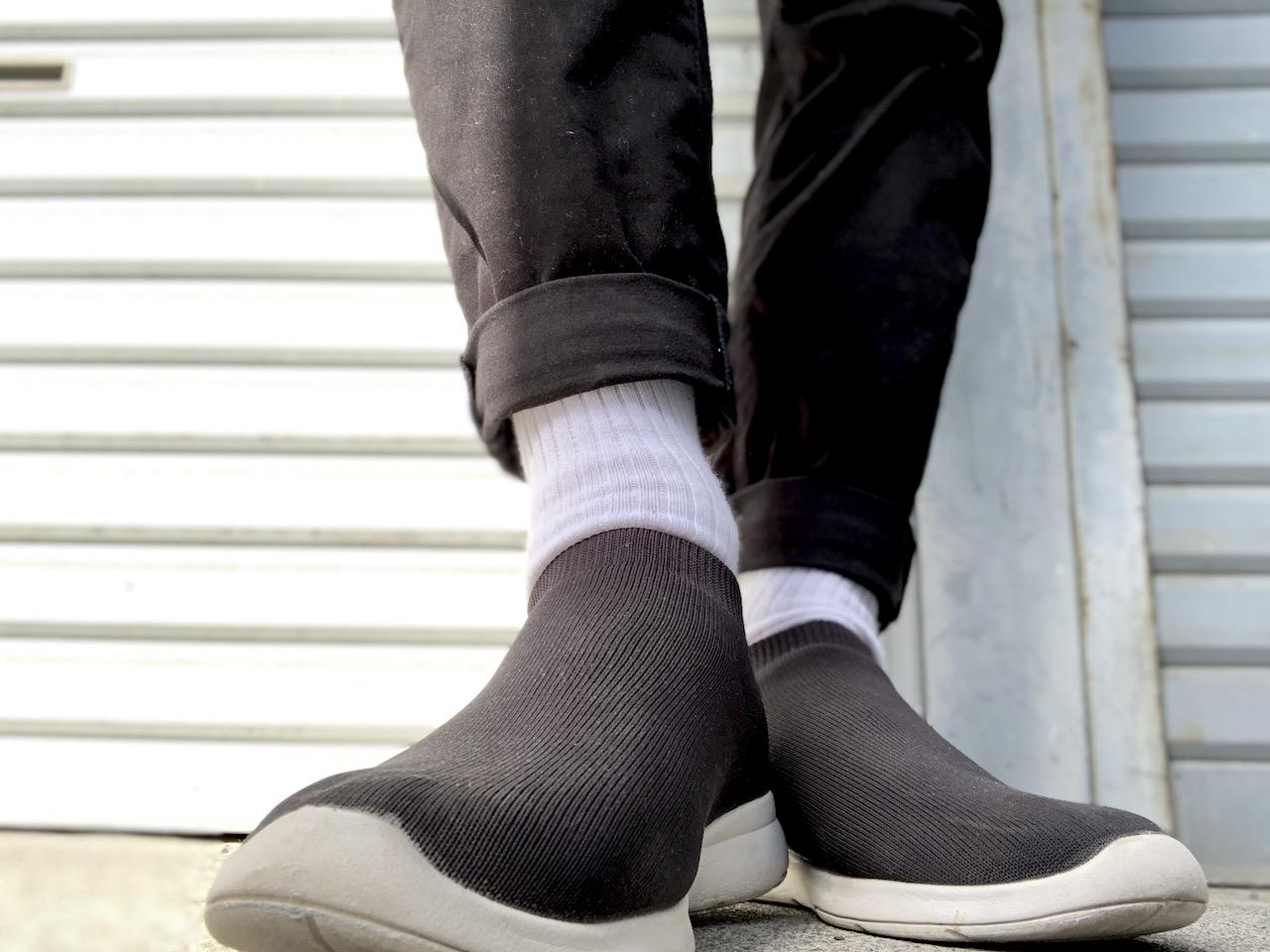 スタンダードなスクールソックスでまとめる足元コーデ|白ソックス系男子